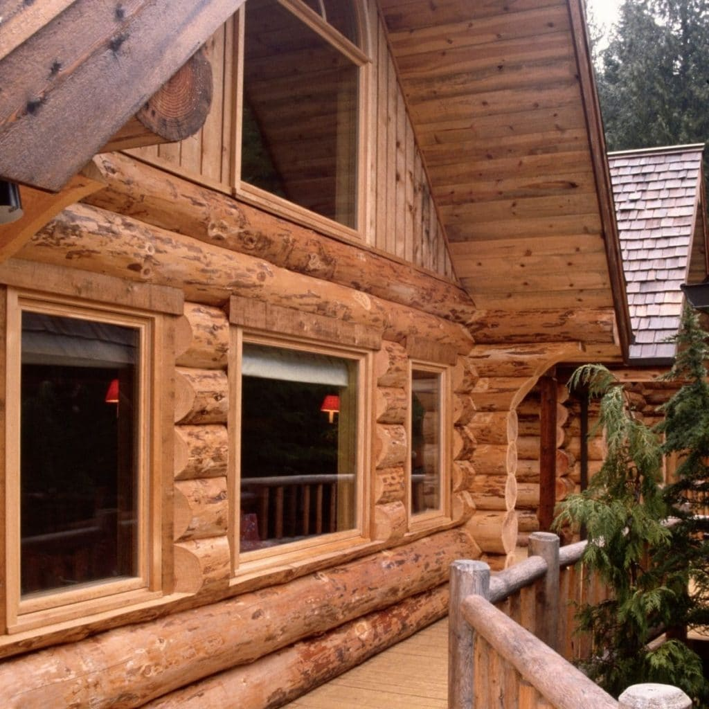 Gorgeous log cabins in good conditions.