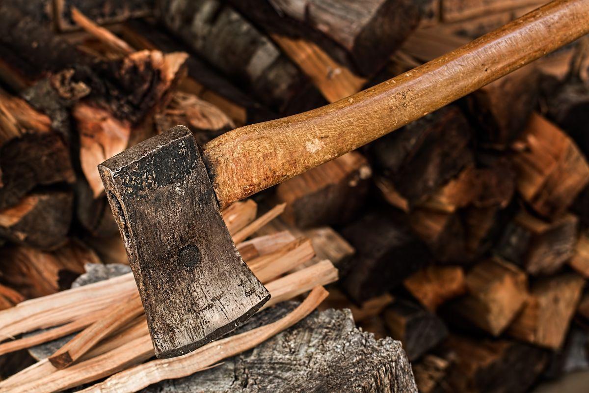 wood chopping axe
