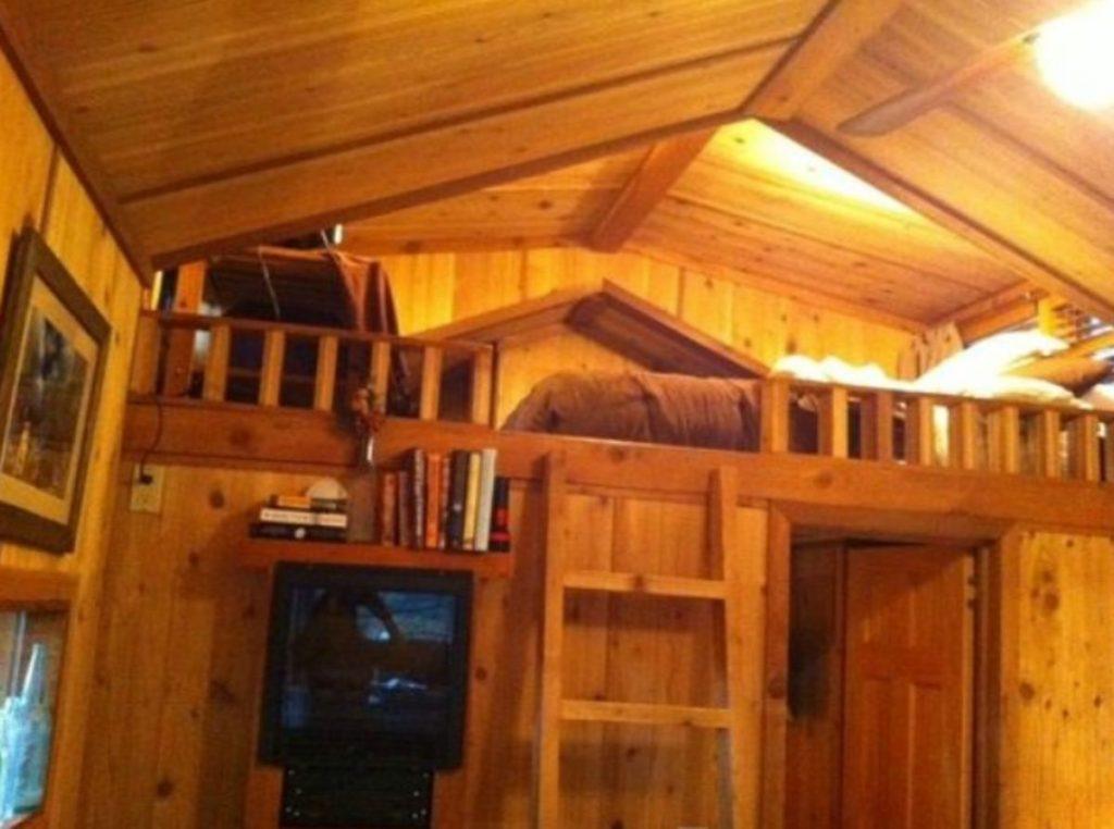cabin-loft-ladder-stairs