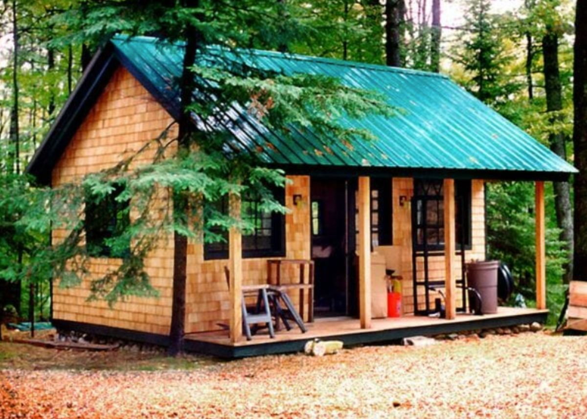 small log cabin in vermont